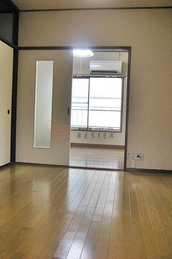 上野アパートメント