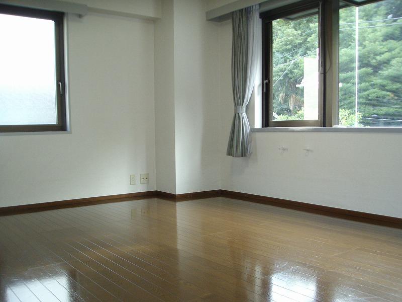 湯島アパートメントハウス